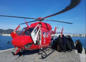 Αεροδιακομιδή ασθενούς από το Άγιο Όρος στη Θεσσαλονίκη [pic]