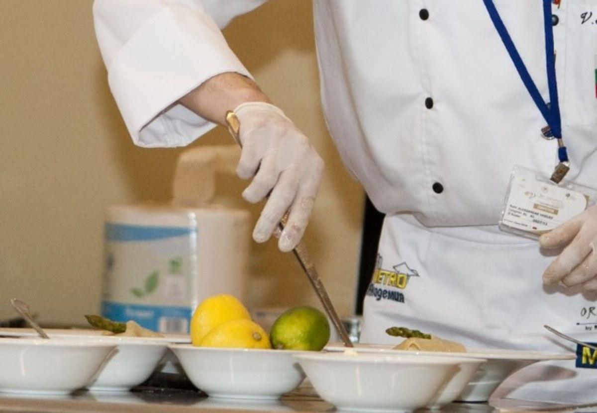 Ρόδος: Ο Σπύρος Κουγιός έγινε διάσημος σεφ στα 20 χρόνια της ζωής του – Το πιάτο που ετοίμασε… | Newsit.gr