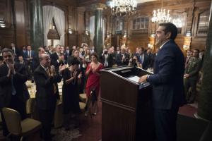 Μπέτυ Μπαζιάνα: «Χάνει» τη Μελάνια, «κερδίζει» τις εντυπώσεις [pics]