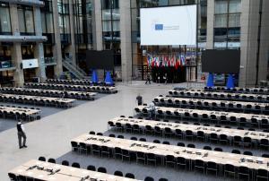 Βρυξέλλες: Εκκενώθηκε λόγω αναθυμιάσεων το κτίριο που θα γίνει η Σύνοδος Κορυφής