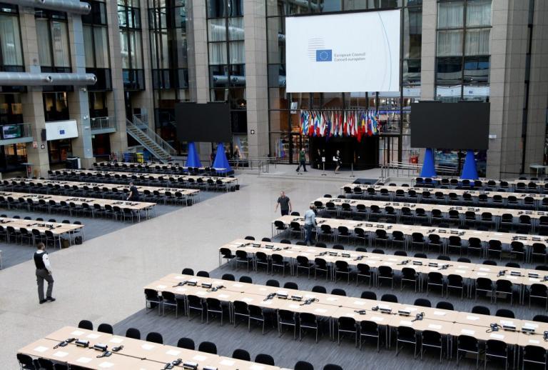 Βρυξέλλες: Εκκενώθηκε λόγω αναθυμιάσεων το κτίριο που θα γίνει η Σύνοδος Κορυφής | Newsit.gr