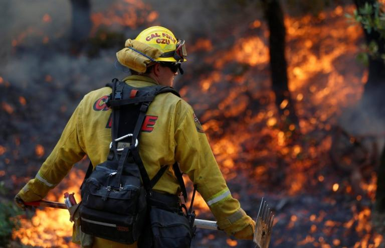 Καλιφόρνια: 41 νεκροί από τις φωτιές – 11.000 πυροσβέστες στη μάχη της κατάσβεσης   Newsit.gr
