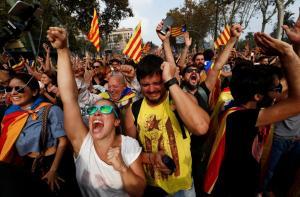 Καταλονία: Χαμός στο άκουσμα της απόφασης! Έξαλλοι πανηγυρισμοί! [pics]