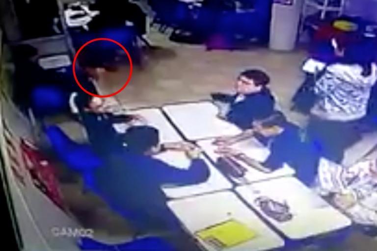Φρίκη! 14χρονος γιος αστυνομικού εκτέλεσε δυο συμμαθητές του | Newsit.gr