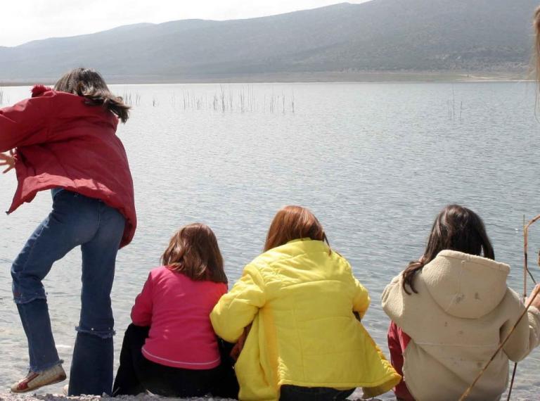 Μηνυτήρια αναφορά στην εισαγγελία Περιβάλλοντος Θεσσαλονίκης για ρύπανση της λίμνης Βεγορίτιδας | Newsit.gr