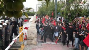 Ένταση και χημικά στην πορεία φοιτητών στο κέντρο της Αθήνας! [pics, vids]