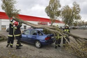 Κακοκαιρία σαρώνει την Ευρώπη – Έξι νεκροί σε Γερμανία, Πολωνία, Τσεχία [pics, vids]