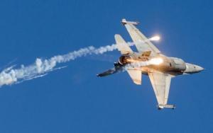 """Θρίλερ με F-16 στην άσκηση """"Παρμενίων""""! Διέκοψε τη συνεδρίαση ο Καμμένος"""