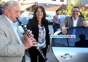 Τρίκαλα: Υποδοχή με κλαρίνα στον Σωκράτη Φάμελο – Η έκπληξη στο τσιπουράδικο [pic, vid]