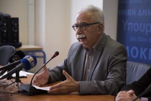 Καταργεί ο Γαβρόγλου την αξιολόγηση των εκπαιδευτικών