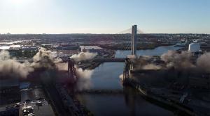 Η γέφυρα έγινε…. σκόνη! Εντυπωσιακό βίντεο