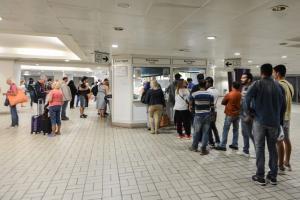 ΣΤΑΣΥ: Μέχρι και… πέντε ώρες αναμονή για μια ηλεκτρονική κάρτα διαδρομών – Ανοίγει επιπλέον εκδοτήρια ο ΟΑΣΑ