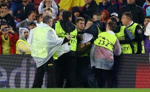 Μπαρτσελόνα – Ολυμπιακός: Ο εισβολέας και τα πανό για την ανεξαρτησία της Καταλονίας! [pics]