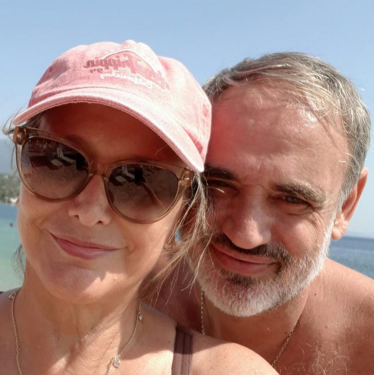 Θανάσης Καλογιάννης: Το συγκινητικό μήνυμα της συζύγου του και η ζωή του με την ιέρεια της μόδας | Newsit.gr