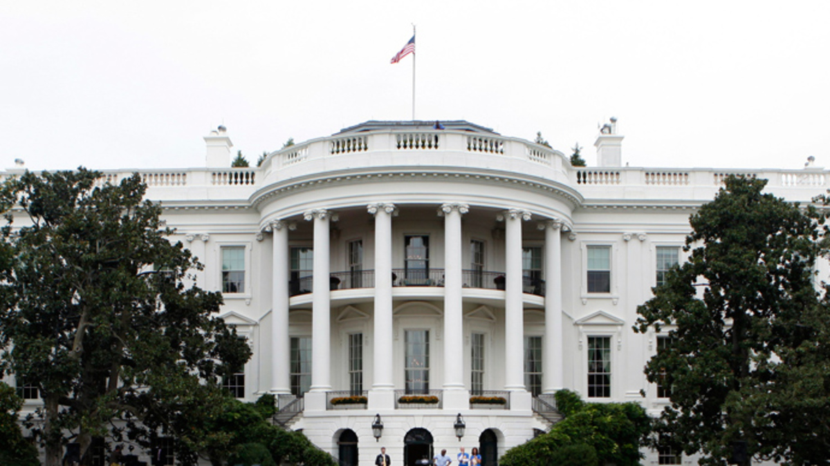 Λήξη συναγερμού για το ύποπτο πακέτο στον Λευκό Οίκο [vid]   Newsit.gr
