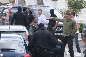 Μιχάλης Λεμπιδάκης: Σε γραφείο με γυναίκα αστυνομικό κρατείται η 16χρονη