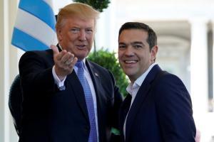 Τσίπρας – Τραμπ στον Λευκό Οίκο: Χαμογελαστοί και… στα μπλε! [pics]