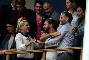 """Αλλαγή φύλου: Οργή για το πρωτοσέλιδο της """"Ελεύθερης Ώρας""""! Έφτασε στην εισαγγελέα του Αρείου Πάγου"""