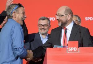 Εκλογές στην Κάτω Σαξονία: Ο Σουλτς κόβει τη… φόρα στη Μέρκελ – Μεγάλη νίκη για SPD