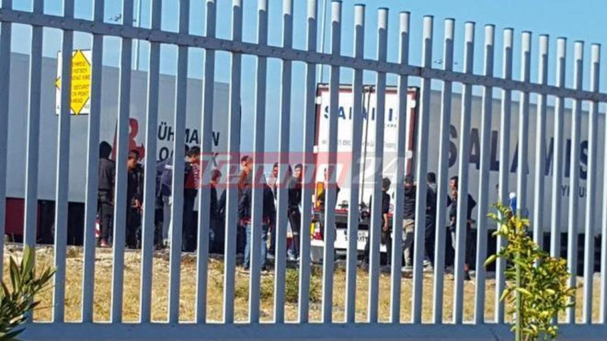 Πάτρα: «Πονοκέφαλος» ο μετανάστες που προσπαθούν να μπουν παράνομα σε πλοία [pics] | Newsit.gr