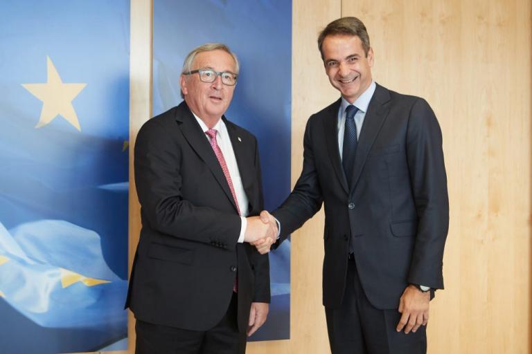 Αμυντική πολιτική και μεταναστευτικό στο «επίκεντρο» της συνάντησης Μητσοτάκη – Γιούνκερ στις Βρυξέλλες [pics] | Newsit.gr