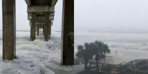 Κυκλώνας Νέιτ: Έφθασε αγριεμένος στις ΗΠΑ