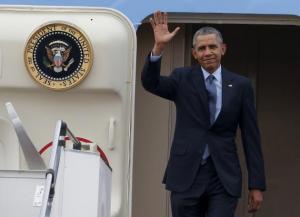Ο Μπαράκ Ομπάμα επέστρεψε στην πολιτική – Πανικός στη συγκέντρωση
