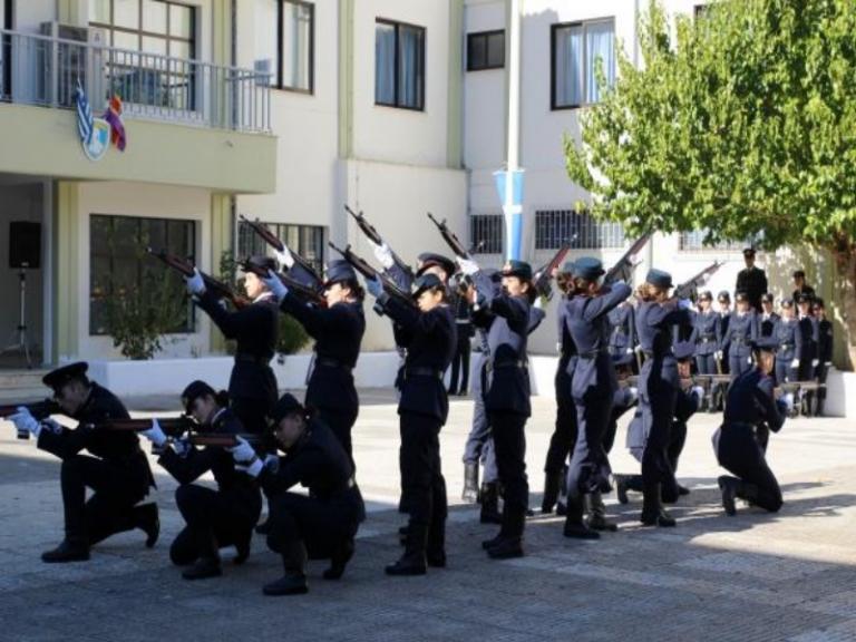 Χαμόγελα και συγκίνηση στην ορκωμοσία των νέων Αξιωματικών της Νοσηλευτικής! [pics]   Newsit.gr