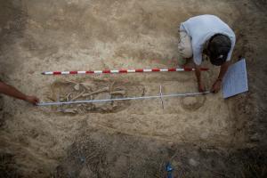 Κίνα: Μακάβρια αρχαιολογική ανακάλυψη – Βρήκαν το μεγαλύτερο παιδικό νεκροταφείο – Τα τρία σενάρια