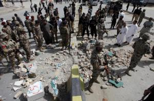 Πακιστάν: Βομβιστής αυτοκτονίας έσπειρε τον όλεθρο – 18 νεκροί και 27 τραυματίες