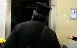 Πύργος: Ιερέας… ντίρλα προκάλεσε τροχαίο και χάος! Τον «μάζεψε» η αστυνομία