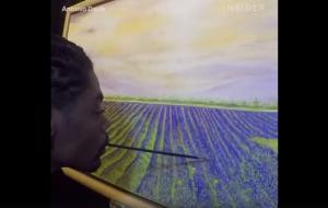 Ο Antonio Davis δημιουργεί πίνακες με το στόμα του