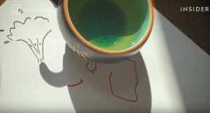 Δημιουργεί τέχνη με τη βοήθεια των… σκιών