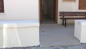 Χανιά: Έκλεψαν την… αυλόπορτα του κοινοτικού ιατρείου! [pic]