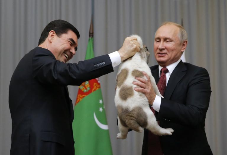 Πούτιν: Του δώρισαν ένα γλυκύτατο σκυλάκι! [vid]   Newsit.gr