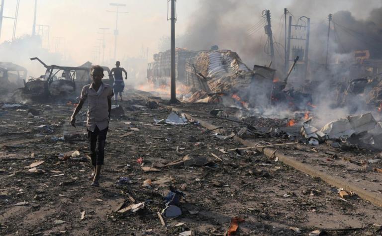 Νέα τραγωδία στην Σομαλία: Δύο νεκροί από βομβιστική επίθεση – «Είδα πτώματα κομμένα στην μέση» | Newsit.gr