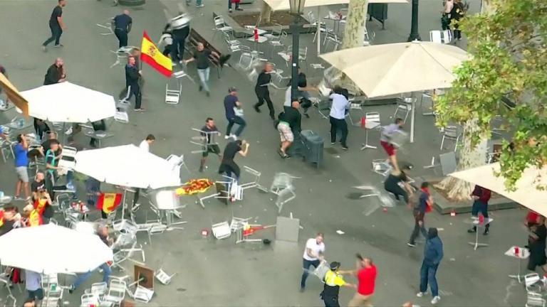 Ισπανία: Άγριο ξύλο μεταξύ διαδηλωτών   Newsit.gr