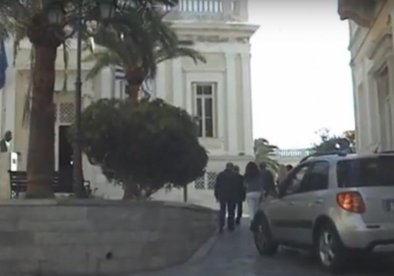 Παράγοντες από το Hollywood θέλουν να επεδύσουν στη Σύρο [vid]   Newsit.gr