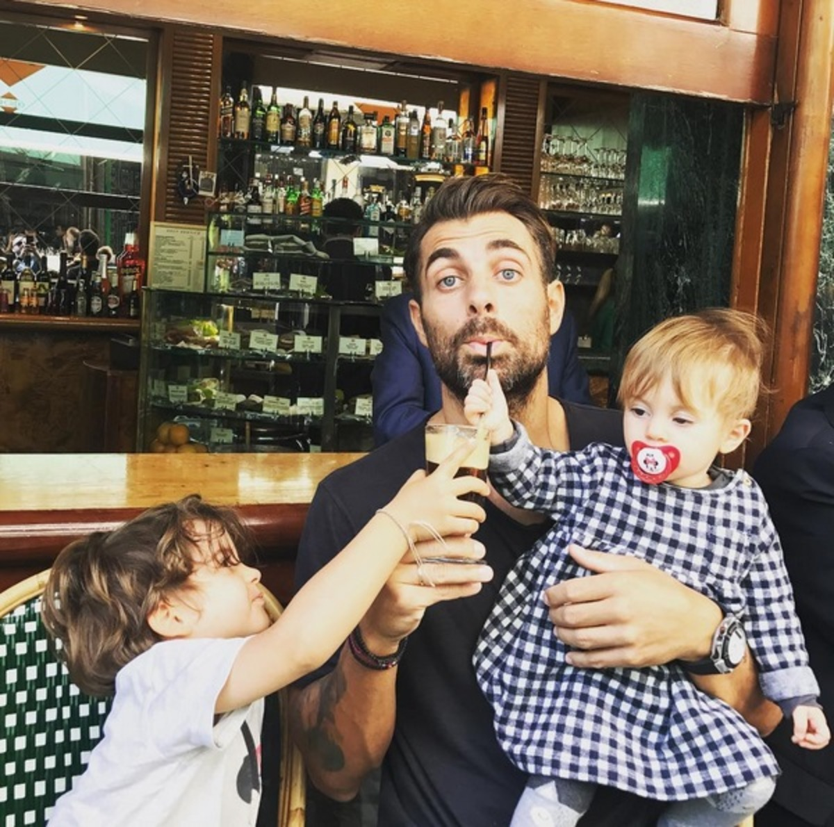 Στέλιος Χανταμπάκης: Λείπει η Όλγα Πηλιάκη και τα παιδιά τον έχουν τρελάνει! Ξεκαρδιστικό video | Newsit.gr