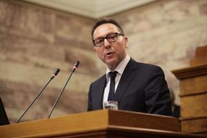 Στουρνάρας στο Reuters: Να επιταχύνουν οι τράπεζες την πώληση των «κόκκινων» δανείων