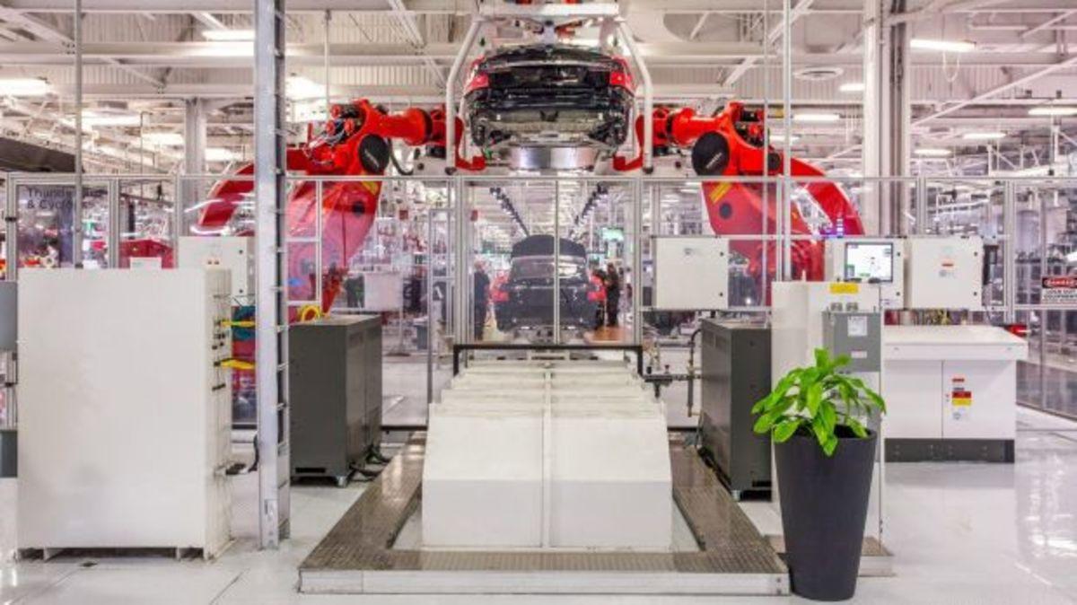Υψηλοί στόχοι, αλλά χαμηλές επιδόσεις για το Tesla Model 3 | Newsit.gr