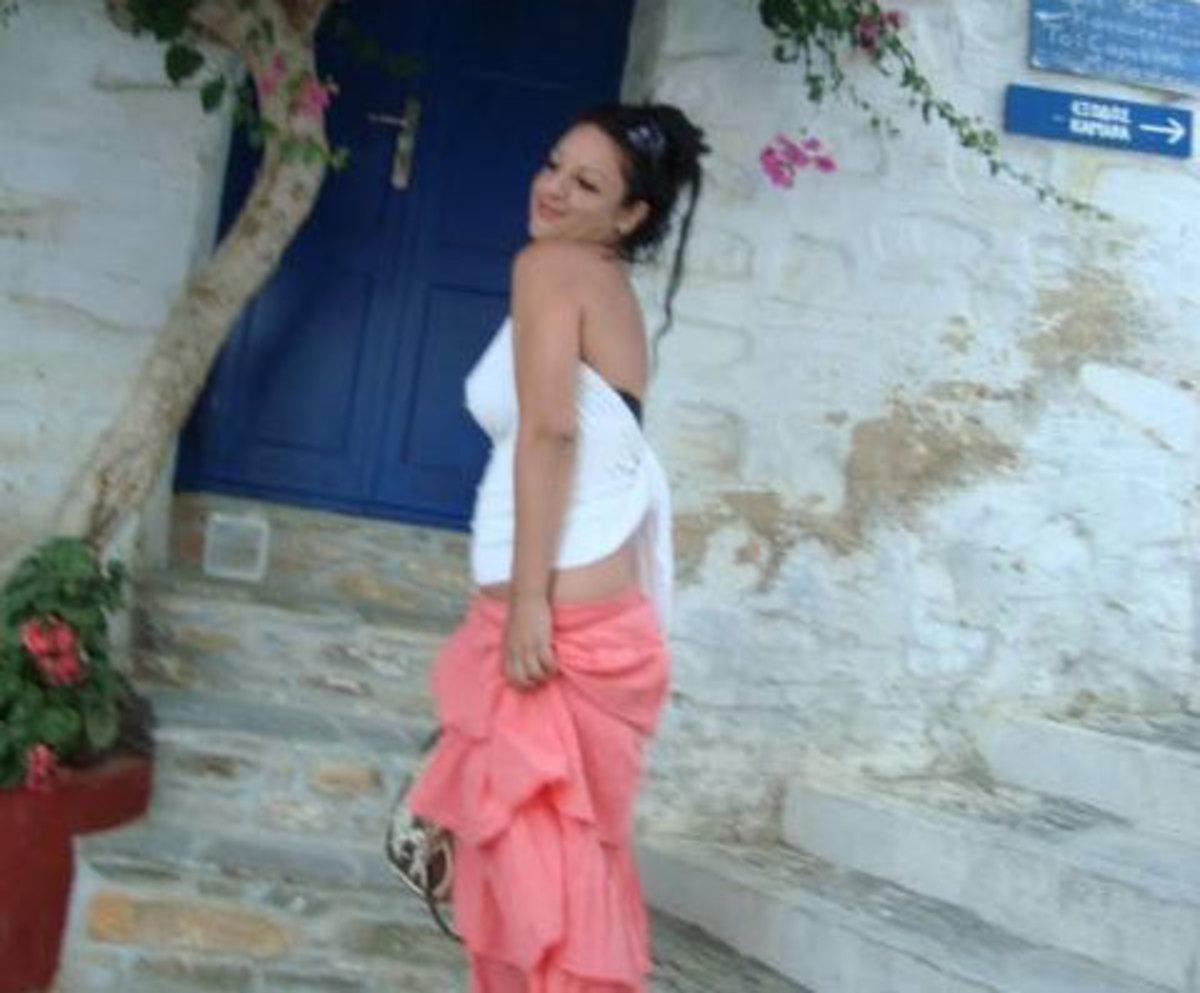 Δώρα Ζέμπερη: Αυτή είναι η νεαρή γυναίκα που βρέθηκε δολοφονημένη στο Β' Νεκροταφείο [pics] | Newsit.gr