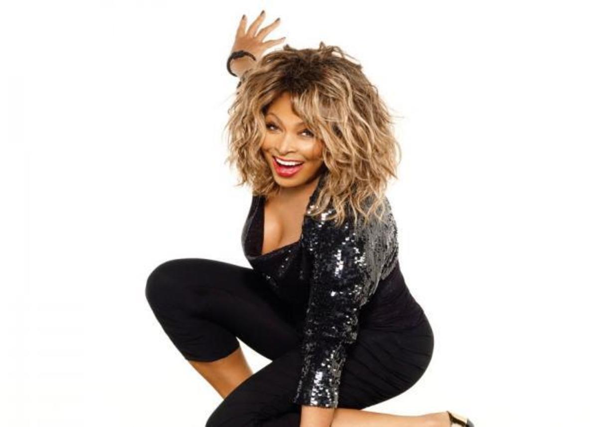 Tina Turner: Η 77χρονη σταρ έκανε σπάνια εμφάνιση και δείχνει 40αρα! Φωτογραφίες | Newsit.gr