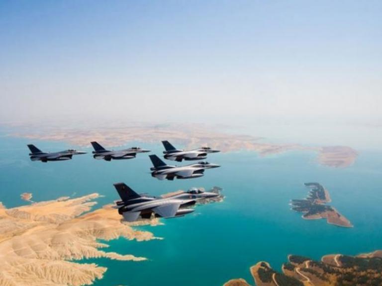 Τουρκικές παραβιάσεις: Δεκάδες μαχητικά και σήμερα πάνω από το Αιγαίο! | Newsit.gr