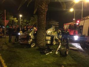 Σοκαριστικό τροχαίο στη Βουλιαγμένη – 2 τραυματίες