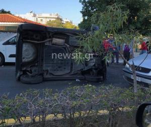 Απίστευτο τροχαίο στην Ηλιούπολη – Αναποδογύρισε αυτοκίνητο