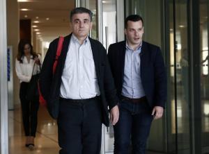 Συμφωνία με τους θεσμούς για εξωδικαστικό συμβιβασμό, συντάξεις χηρείας και μεταρρυθμίσεις