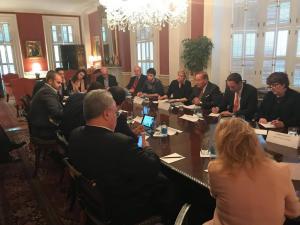 Ο Αλέξης Τσίπρας και η… ανάκριση των δημοσιογράφων – Πως είδαν τα ξένα δίκτυα τον Έλληνα Πρωθυπουργό