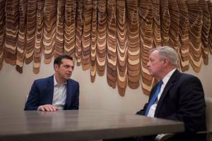 Τσίπρας: Σημαντική η στήριξη των ΗΠΑ στην Ελλάδα – Συνάντηση με Δημοκρατικό γερουσιαστή