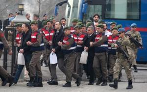 Τουρκία: Στρατιωτικοί αντιμέτωποι με 37 φορές ισόβια!